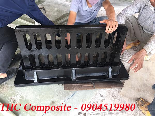 Song chắn rác composite đen bóng