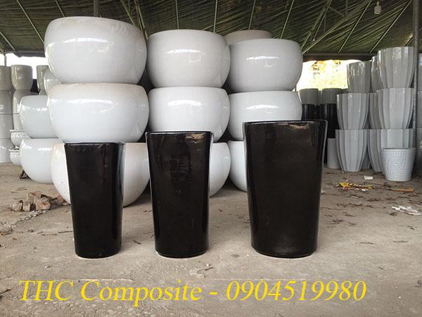Chậu hoa composite ví dụ về giá của vật liệu composite phụ thuộc kích thước
